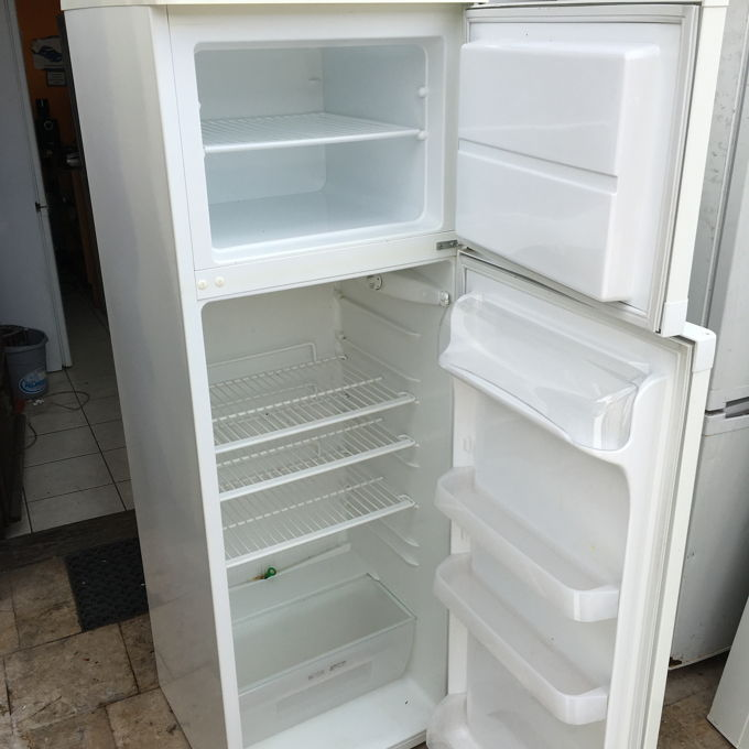 Zanussi ZD 22/5 BO kombinált hűtő belső